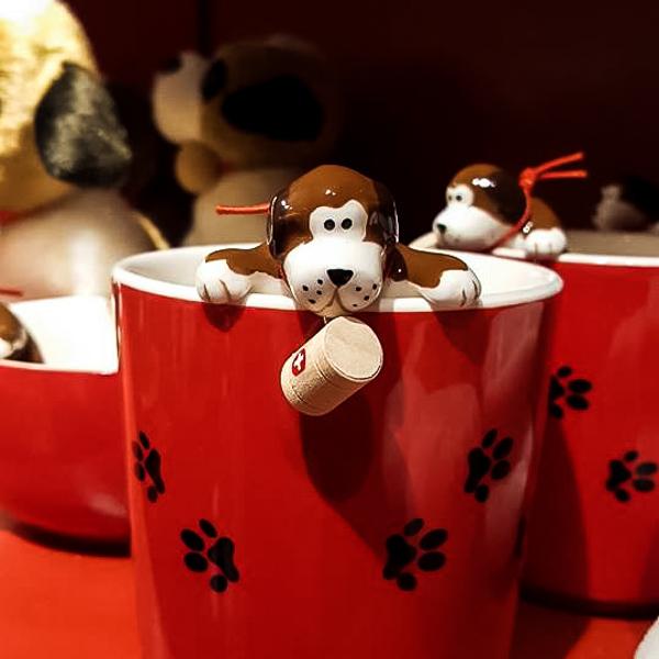 Shopping Basel, Beste Shops Basel, Shopping, Schweizer, Souvenirs, Weihnachten, Dekoration, Dekorationen, Johann Wanner, Portrait, Hund, Tasse