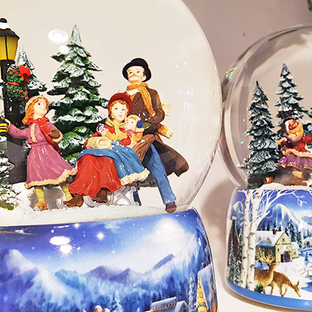 Shopping Basel, Best Shops Basel, Souvenirs, Gifts, Wunder-Laden, snow globe, Christmas