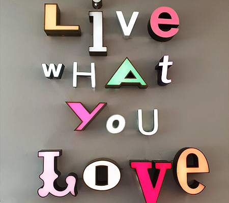 Shopping Basel, Beste Shops Basel, Vintage Letters, Leuchtbuchstaben, Leuchtbuchstabe, Vintage Letters, live what you love, love, Liebe