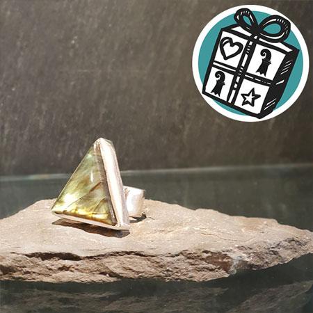 Geschenke Ideen, Geschenke Tipps, Geschenke Basel, Basel, Stein Ring, Labradorit Ring, edelstai Lädeli